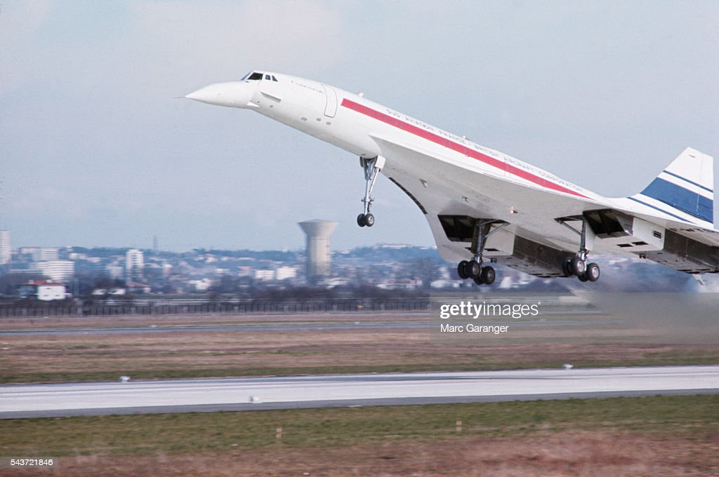 Concorde's First Flight : News Photo