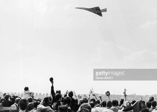 The Concorde The crowd cheers the Concorde