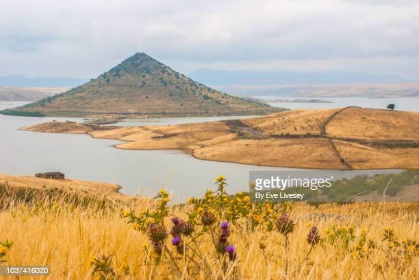 the conical mountain of cerro masatrigo - estremadura stock-fotos und bilder