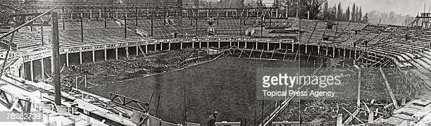 The construction of the new Centre Court at the All England Lawn Tennis and Croquet Club in Wimbledon April 1922