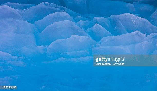 the contours of ice on the surface of an iceberg in antarctica. - 7894 stock pictures, royalty-free photos & images