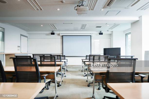 the convention room and a screen, no one - college classroom stock photos and pictures
