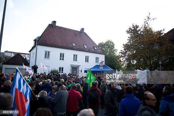 FREILASSING BAVARIA GERMANY The counter protesters welcoming refugees during the Alternative for Germany demonstration against refugees and Merkel at...