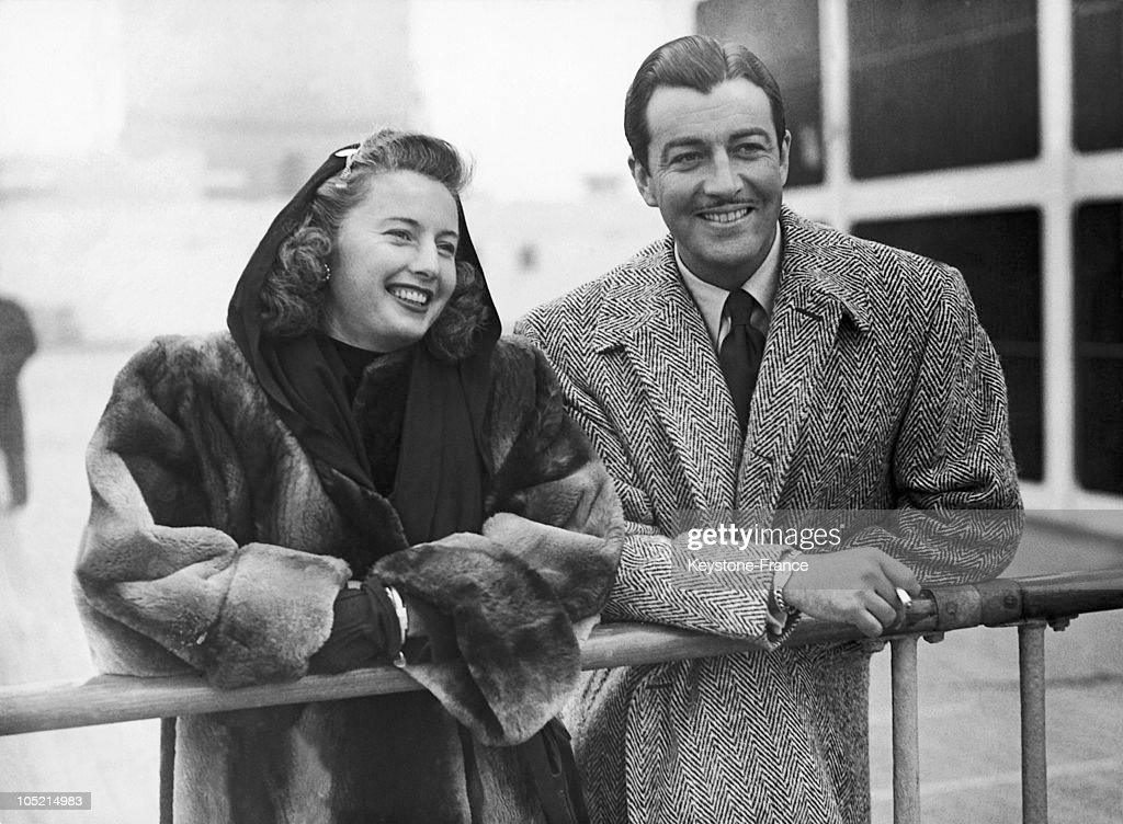 Barbara Stanwyck And Robert Taylor In 1947 : News Photo