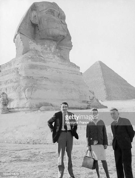 The Couple Simone De Beauvoir And JeanPaul Sartre Both Writers Visiting The Giza Plateau With The Editor Of The Journal Les Temps Modernes Claude...