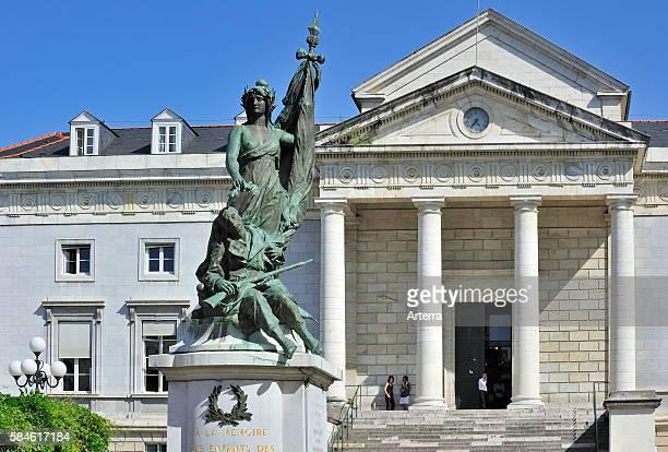 The courthouse / Palais de justice and the place de la Liberation at Pau, Pyrenees, France.
