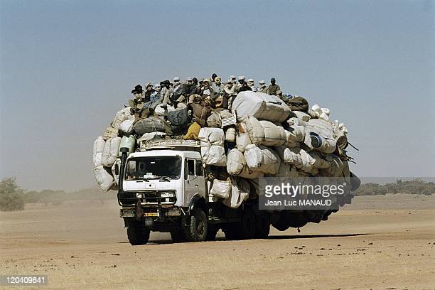 The crater Koboue in Chad in November 2005 Goods and illegal immigrants on the way to Lybia