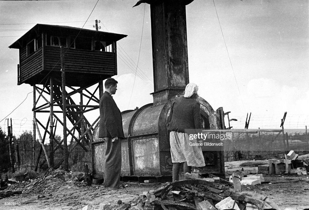 Belsen Crematorium : News Photo