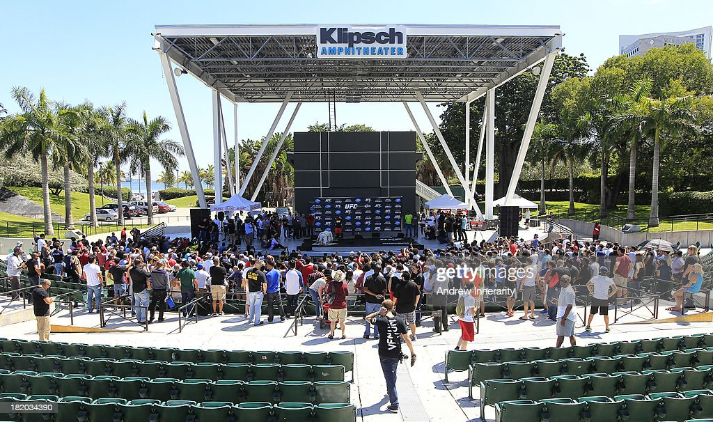 The crowd and stage are seen as UFC middleweight champion Chris Weidman and former middleweight champion Anderson Silva hold a media event during the UFC 168: Weidman v SIlva 2 press tour at Klipsch Amphitheater at Bayfront Park on September 27, 2013 in Miami, Florida.