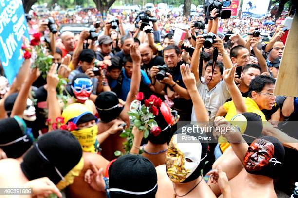 The crowd during the annual Oblation Run of Alpha Phi Omega Fraternity in University of the Philippines in Quezon City to call for the abolish of...