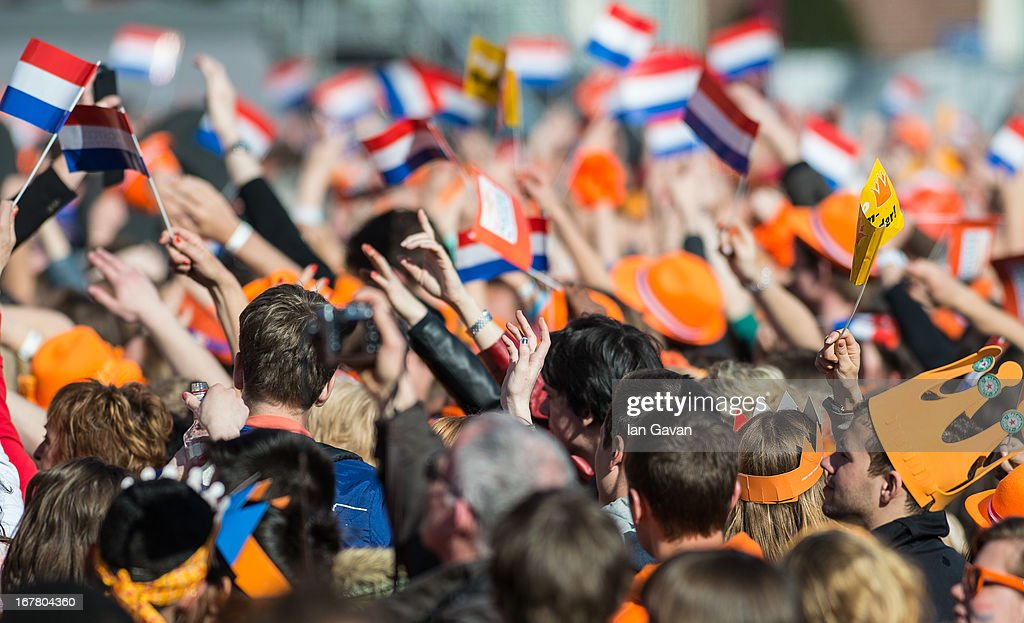The Public Celebrates The Inauguration Of King Willem Alexander As Queen Beatrix Of The Netherlands Abdicates : News Photo