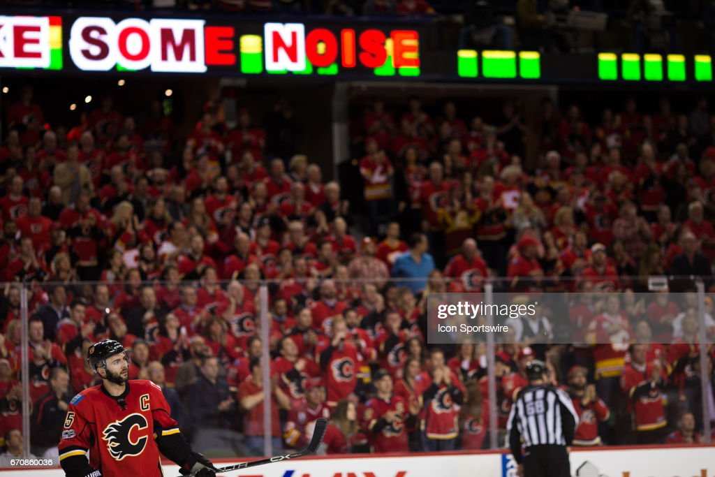 NHL: APR 19 Round 1 Game 4 - Ducks at Flames : News Photo
