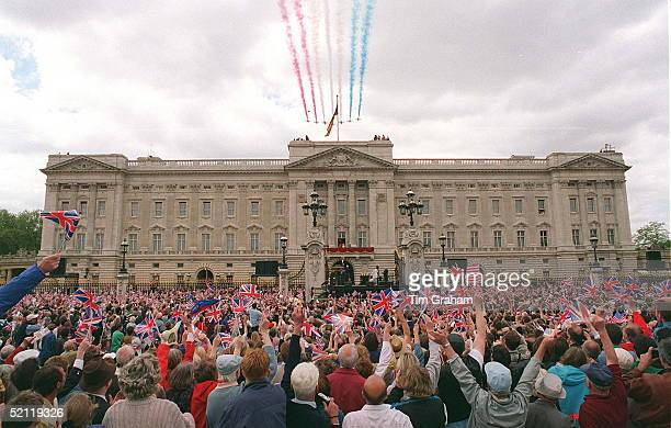 The Crowd In Front Of Buckingham Palace On Ve Day Watching The Flypast By The Red Arrows