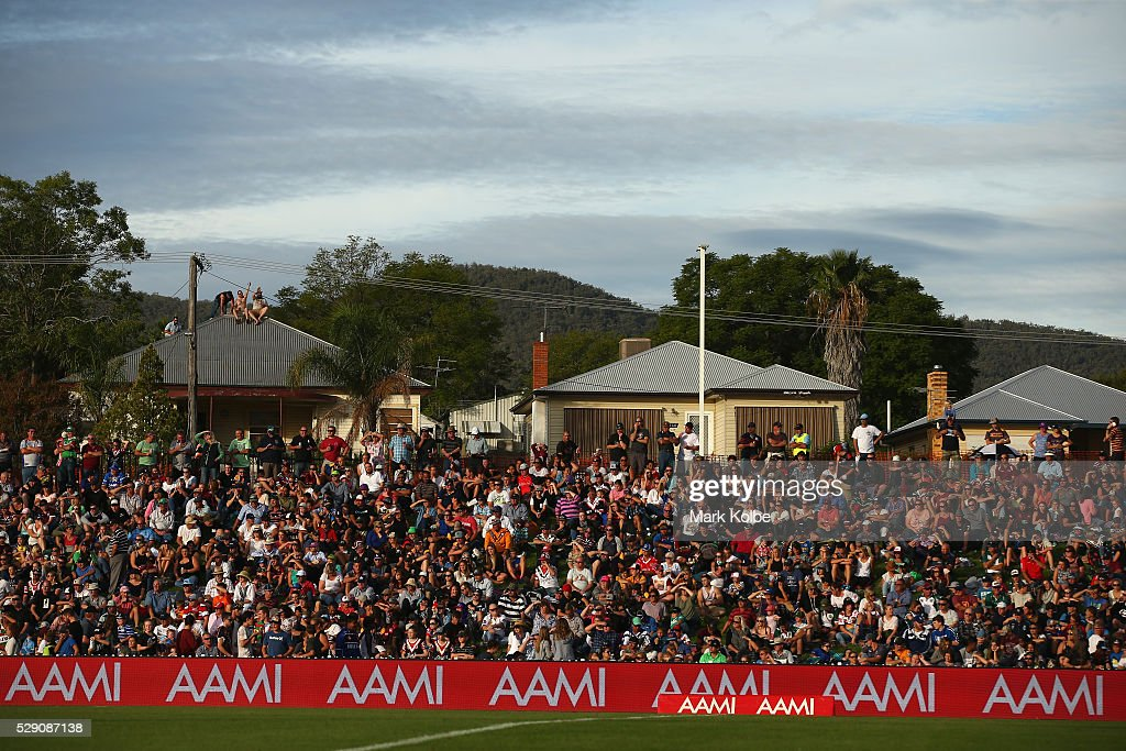 The crowd watch on during the NSW Origin match between City and Country at Scully Park on May 8, 2016 in Tamworth, Australia.