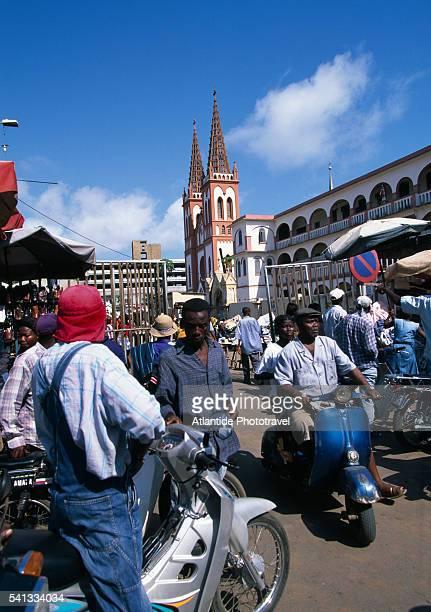 """the crowded """"gran marche"""", or big market - togo fotografías e imágenes de stock"""