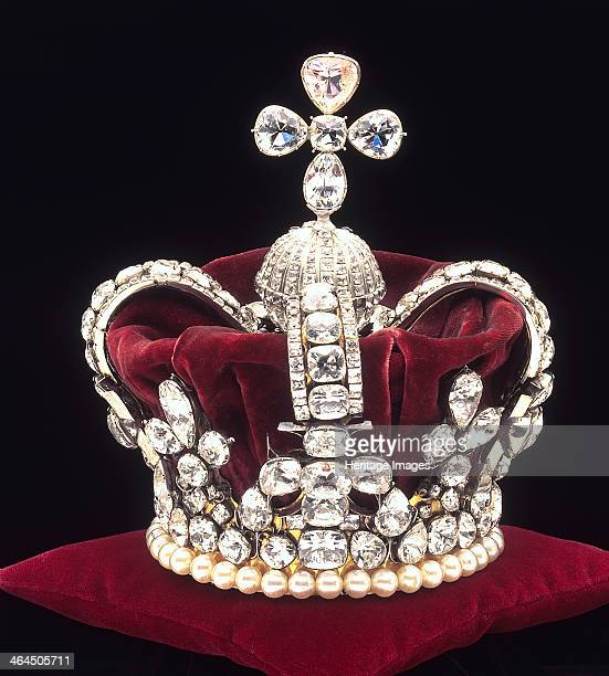 The crown of Mary of Modena c1685 The crown used for the coronation of the Italian second wife of James Duke of York she was married by proxy to him