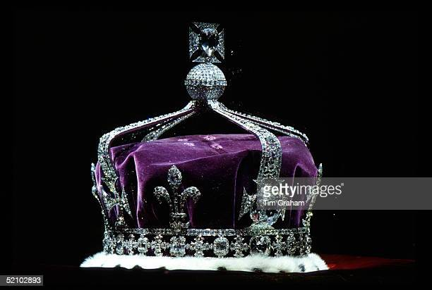 The Crown Of Queen Elizabeth The Queen Mother Made Of Platinum And Containing The Famous Koh-i-noor Diamond Along With Other Gems.