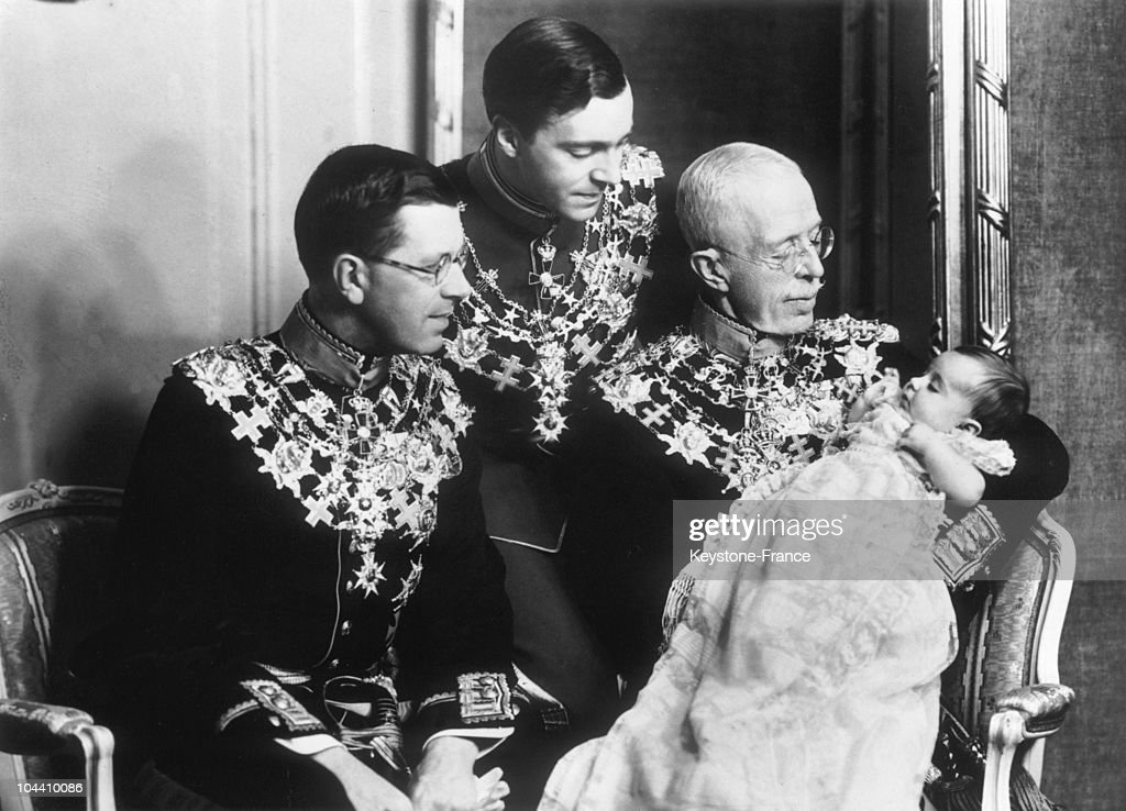 King Gustav V Of Sweden With His Grand Granddaughter, Princess Margaretha In His Arm : News Photo