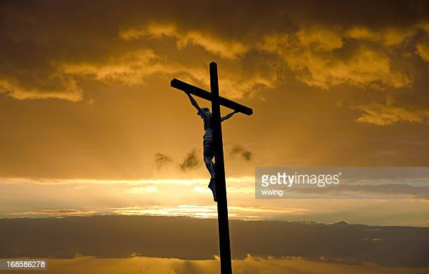 the crucifix on good friday - good friday stock pictures, royalty-free photos & images