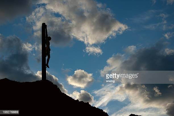 the crucifix - images of jesus on the cross at calvary stock pictures, royalty-free photos & images