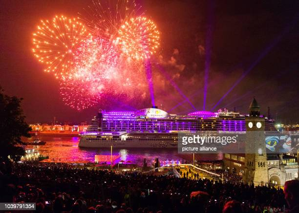 The cruise ship 'AIDA PRIMA' can be seen on the Elbe river during the Hafengeburtstag in Hamburg Germany 6 May 2017 More than a million visitors are...