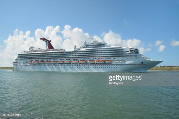 the cruise ship carnival sunshine underway - carnival cruise stock pictures, royalty-free photos & images