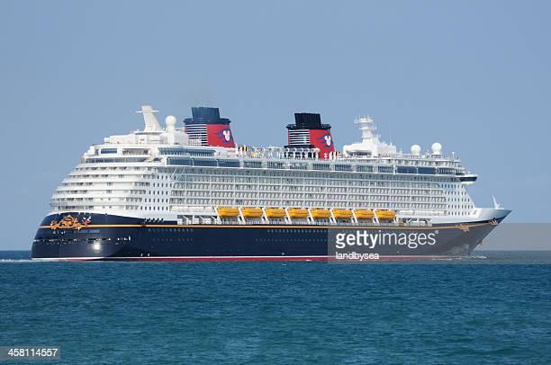 """el crucero sueño de disney"""" - disney world fotografías e imágenes de stock"""