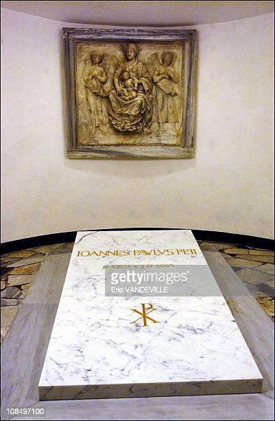 Pope john paul ii tomb pictures and photos getty images the crypt of st peters basilica resting place of 148 popes from st peter to john fandeluxe Choice Image