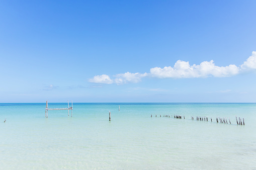 The crystal clear ocean with turqoise water at a beach on the Island of Holbox, Mexico - gettyimageskorea