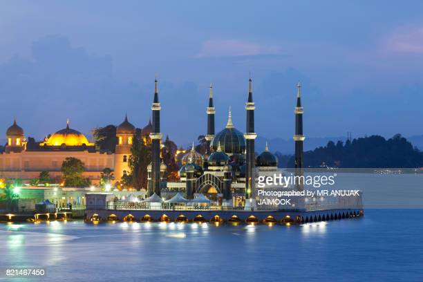 the crystal mosque in kuala terengganu, malaysia. - crystal mosque stock pictures, royalty-free photos & images