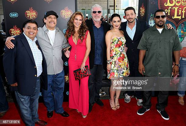 The csast Ricardo El Mandril Sanchez Danny Trejo Kate del Castillo Ron Perlman Ana de la Reguera Diego Luna and Ice Cube attend the Premiere of...