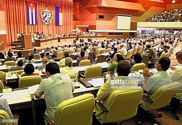 The Cuban parliament in Havana discusses the situation with sixyearold Elian Gonzalez during their IV Working Session 20 December 1999 Parlamentarios...
