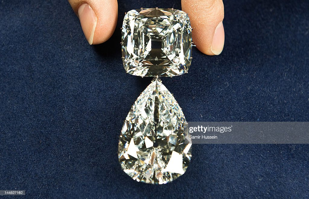 World's Largest Diamond Jewellery Is Prepared For Jubilee Exhibition : News Photo