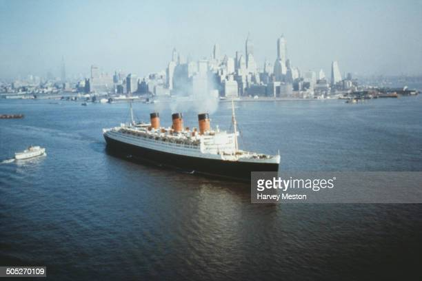 The Cunard Line ocean liner 'RMS Queen Mary' in New York City, USA, circa 1965.