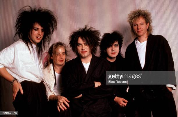 Photo of The CURE and Boris WILLIAMS and Lol TOLHURST and Robert SMITH and Porl THOMPSON and Simon GALLUP LR Simon Gallup Porl Thompson Robert Smith...