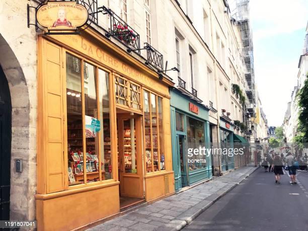 la cure gourmande in paris - boutique photos et images de collection