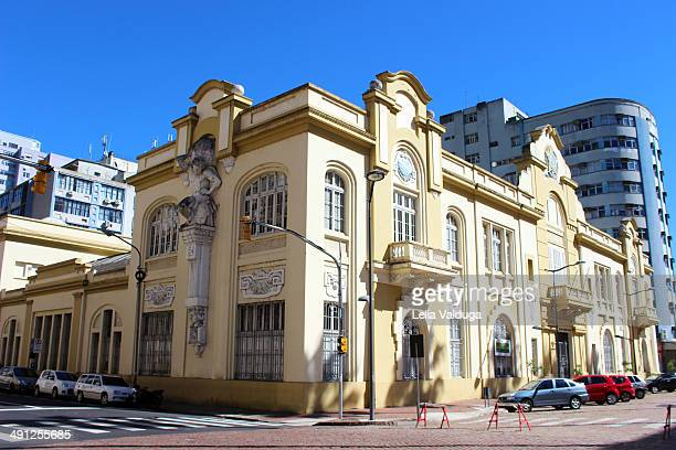 CONTENT] The current building in eclectic style was the former Customs House located in the outlet that expanded part of the city center took 22...