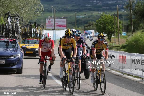 The cyclist David Dekker, of the Jumbo-Visma Team, with Attilio Viviani, of the Cofidis Team, and Tim Merlier, of the Alpecin-Fenix Team, during the...