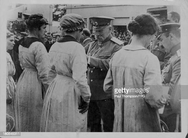 The Czar and the Russian government honor French munitions workers during the First World War France circa 19141918