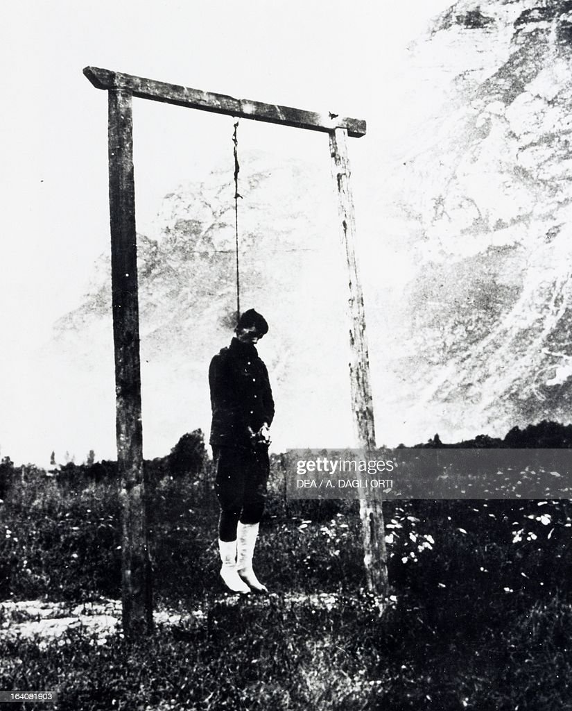 Alois Storck hanged by the Austrians : Fotografía de noticias