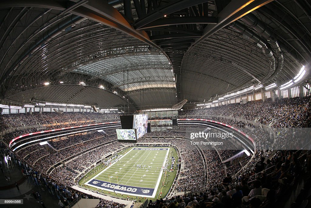 Tennessee Titans v Dallas Cowboys : News Photo