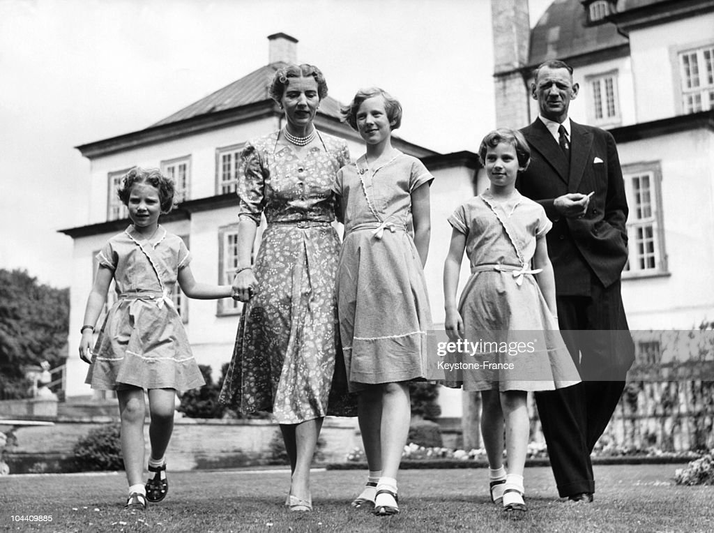 Denmark'S Royal Family At The Castle Of Fredensborg 1953 : News Photo
