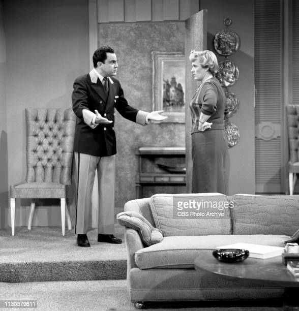The Danny Thomas Show a CBS television situation comedy Episode Jose's Guided Tour originally broadcast February 25 1963 Pictured from left is Bill...