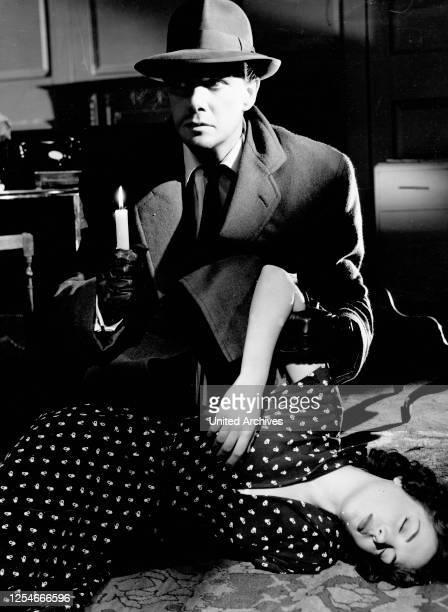 Der Mann in Schwarz Großbritannien 1951 Regie Jeffrey Dell Darsteller Maxwell Reed Natasha Parry
