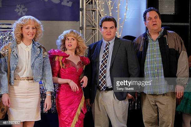 THE GOLDBERGS The Darryl Dawkins Dance As the Sadie Hawkins dance approaches Erica asks Beverly to help her find Barry a date to keep him away from...