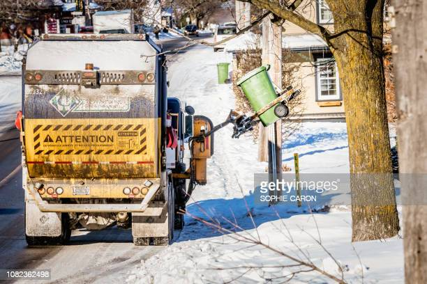the day of garbage collection,  québec, saint-hugues - chilly bin stock photos and pictures