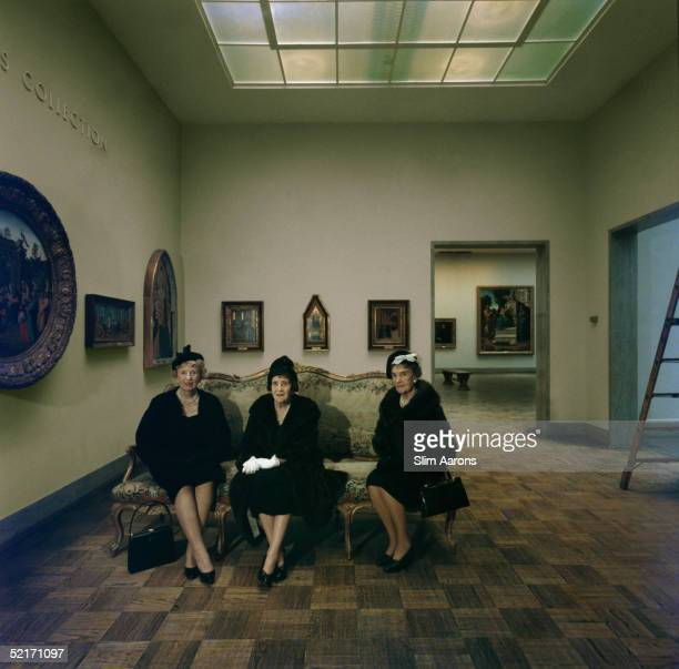 The de Young sisters Left to right Mrs Nion Tucker Mrs J O Tobin and Mrs George Cameron doyenne of San Francisco society in the de Young Memorial...