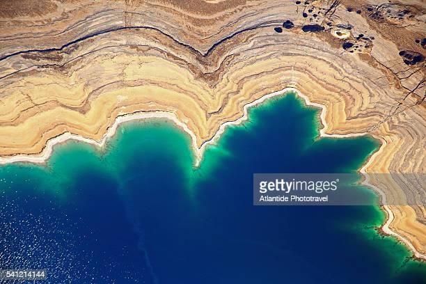 the dead sea from above. - mar muerto fotografías e imágenes de stock