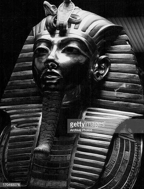 The death mask of Tutankhamun as discovered by archaeologist Howard Carter attached to the chin is Osride beard 1323 BC