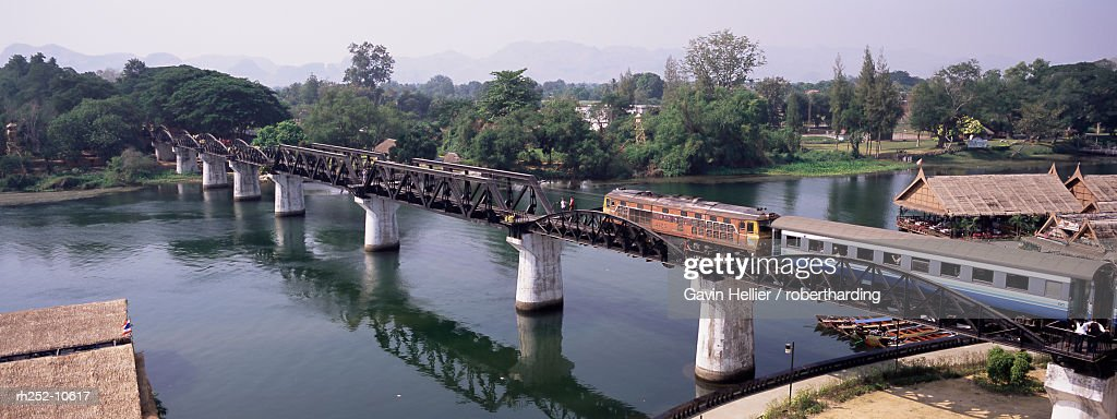 The Death Railway bridge on the River Kwai (Saphan Mae Nam Khwae Yai), Kanchanaburi, Kanchanaburi Province, Thailand, Southeast Asia, Asia : Foto de stock